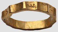 """A Roman Vetius ring,                                      """"1st/2nd century A.D. Of yellow gold. Heavy ring with twelve ridges."""