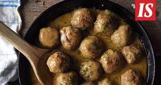 Ainahan se oma versio klassikosta on paras. Joskus kuitenkin haluaa vaihtelua. Näissä lihapullissa on ranskalaistwisti. Ethnic Recipes, Food, Essen, Meals, Yemek, Eten
