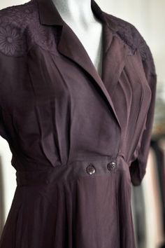 ber ideen zu empire kleid auf pinterest kleider. Black Bedroom Furniture Sets. Home Design Ideas