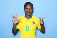 Sete são os dias da semana, as cores do arco-íris, as notas musicais, as virtudes e os pecados capitais. Na numerologia, é tido como o número da perfeição. Mas sete é também o tanto de vezes que vamos ver ummitoem campo na Copa do Mundo vestindo a camisa da Seleção Brasileira Feminina. Formiga. Neymar, Go Brazil, Football, Top, Girl Football, Girl Gamer, Women's Football, Ant, Song Notes