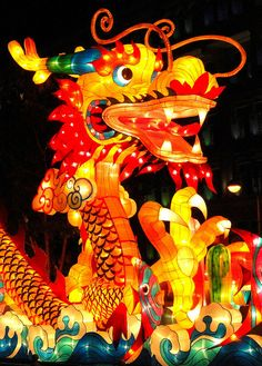 龍燈 ~ 庆中秋 [ Lantern Festival in Singapore ] by linkway88, via Flickr