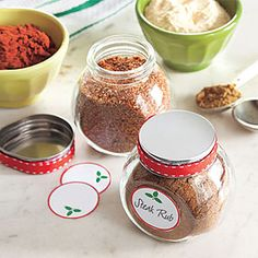 25 Days of Gift Ideas: For the grill master on your list, DIY Steak Rubs in their own charming jars! 25 Days of Gift Ideas: For the grill master on your list, DIY Steak Rubs in their own charming jars! 25 Days of Gift Ideas: For the g Homemade Spices, Homemade Seasonings, Homemade Gifts, Steakhouse Steak, Best Steak Seasoning, Seasoning Mixes, Jar Gifts, Food Gifts, Rub Recipes