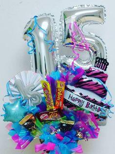 10 ideas de arreglos de 15 años - Paperblog Candy Bouquet, Balloon Bouquet, Surprise Box Gift, Birthday Balloon Decorations, Weird Gifts, Bff Gifts, Balloon Animals, Ideas Para, Birthdays