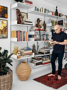 Style aficionado, TV personality and tree-changer Neale Whitaker is looking forward to hosting Christmas in his freshly renovated home. unit decor Kmart Inside Neale Whitaker's new country home Living Room Interior, Home Living Room, Living Room Decor, Bedroom Decor, Home Office Design, House Design, House Inside, Blue Rooms, Australian Homes
