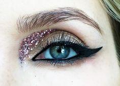 instagram: piiahiltunen #glittermakeup #makeup #beauty #glitter #pink #eyemakeup #piiahiltunen #makeupinspiration #cateyeliner #eveningmakeup #mascara #sparkle #makeupideas #piiahiltunenmakeup