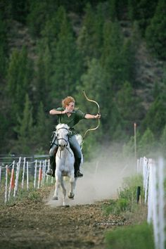 Mounted archery became a passion for Katie Morwen Stearns, and teaching equestrian martial arts became her equine career and dream job with horses. Chara, Archery Lessons, Mounted Archery, Trick Riding, Medieval, Sword Fight, Traditional Archery, White Horses, Horse Girl
