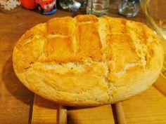 Amikor lusta vagyok felöltözni és boltba menni marad a házi kenyér, amit hamar el lehet készíteni! hozzávalók 3 bögre liszt (3dl bögre) 1 teáskanál só 1 egész élesztő, 5 dkg 1 marék cukor 3 – 4 evőkanál olaj 1 bögre … Egy kattintás ide a folytatáshoz.... → Bread, Cukor, Food, Meal, Essen, Breads, Buns, Sandwich Loaf