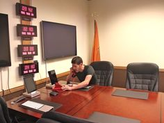 GitHub doesnt have a conference room—it has a Situation Room, complete with red phone. Its modeled after the one in the White House.