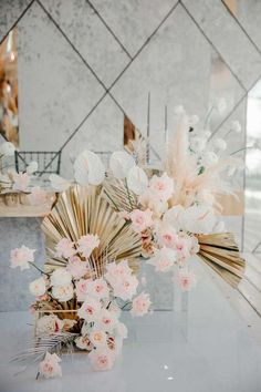 Floral Wedding, Wedding Colors, Wedding Styles, Wedding Flowers, Boho Theme, Bridal Table, How To Preserve Flowers, Centre Pieces, Receptions