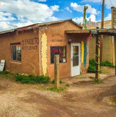 must try the 12 'Hole in the Wall' Restaurants in New Mexico That Will Blow Your Taste Buds Away, Available Oct 16-20, Oct 26-31 and  Nov 01-04, Santa Fe vacation rental Cozy and historic adobe home in town -walking distance to the plaza. Visit Santa Fe, The City Different, October is beautiful in Santa Fe - aspen leaves and cool, dry air and bright blue skies https://www.airbnb.com/rooms/2562597 #vacationrental