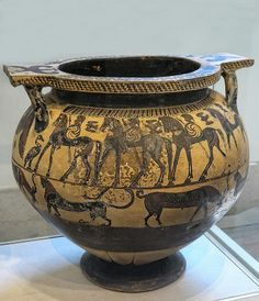 Greek terracotta dinos (mixing bowl) Corinthian (Transitional Period) 630-615 BCE attributed to the Polyteleia Painter