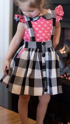 Black & White Plaid Overall Rock # Kinder Mode # Mädchen # Outfit – Mukaddes Özbaş – Join the world of pin Frocks For Girls, Dresses Kids Girl, Kids Outfits, Toddler Dress, Baby Dress, Baby Skirt, Kids Frocks Design, Frock Design, Girl Dress Patterns