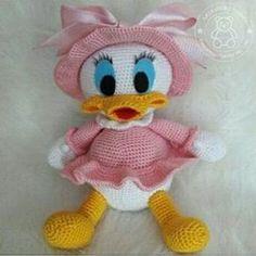 Amigurumi Baby Duck Rezept - I love Animal :) Crochet Animal Amigurumi, Amigurumi Doll, Crochet Animals, Crochet Dolls, Knit Crochet, Crochet Bird Patterns, Crochet Birds, Diy And Crafts, Crafts For Kids