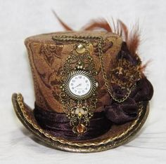 Brown Gold Mini Top Hat Steampunk Women by MeraVDesignCompany Steampunk Cosplay, Viktorianischer Steampunk, Steampunk Clothing, Steampunk Fashion, Steampunk Outfits, Steampunk Halloween, Renaissance Clothing, Steampunk Necklace, Steampunk Accessoires
