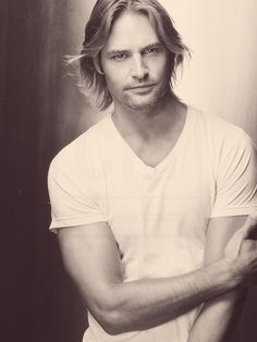 TOO MUCH SEXY TO HANDLE. Josh Holloway, Sawyer, Lost, male, actor, cool, celeb, famous, photograph, sapira, hotty