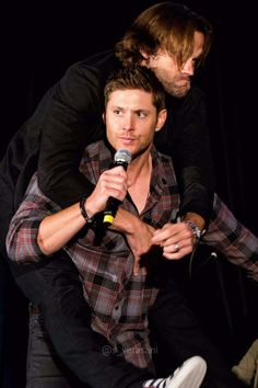 Their faces are EVERYTHING hahaha Jensen is the ever long-suffering parent, meanwhile Jared is the lovable but ever-so-mischievous child