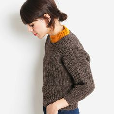 Pure Wool Women´s jumper crafted in Spain. Undyed Spanish wool with a touch of ochre