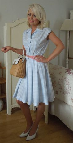 Vintage shirtwaist dress  Mccalls sewing pattern, made up in blue gingham cotton