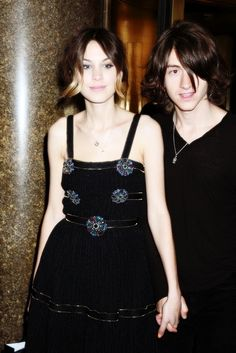 i love alexa chung! and not just because she dated alex turner but because she as an individual is soo amazing!