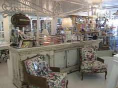 This is TRULY a shop I would drooL over! Melrose Vintage ~ 4238 No. 7th Avenue ~ Phoenix, Arizona 85013