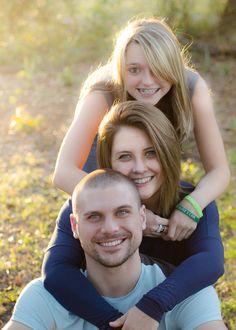 Sibling photography.