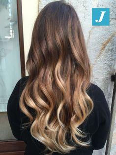 La primavera è ufficialmente arrivata. #cdj #degradejoelle #tagliopuntearia #degrade #igers #musthave #hair #hairstyle #haircolour #longhair #oodt #hairfashion #madeinitaly