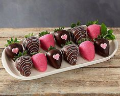Valentine's day Chocolate Dipped Strawberries at Gift Baskets ETC Coconut Hot Chocolate, Homemade Chocolate, Melting Chocolate, Chocolate Recipes, Chocolate Nutella, Valentines Day Chocolates, Valentines Day Desserts, Valentine Day Love, Strawberry Dip