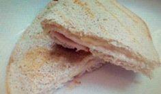 En snabb LCHF sandwish. Mycket omtyckt och tar bara några minuter att göra.