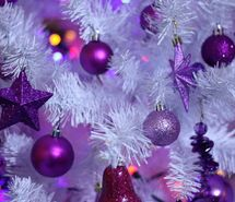 x-mas tree with purple ornaments