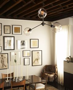 I love this room plus the addition of Lindsey Adelman lighting Interior Exterior, Interior Design, Modern Interior, Bubble Chandelier, Branch Chandelier, Globe Chandelier, Lounge, Up House, Apartment Interior