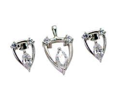 #shangrilagems #vassilikichristina #benz #mallets #tb #riyo #jewelry #gems #handmade #goldplated #ring goo.gl/embb1b