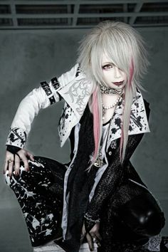 Harajuku, Kei Visual, Emo Goth, Partners In Crime, Japan Fashion, Cool Hairstyles, Scene Hairstyles, Hairstyle Ideas, Androgynous