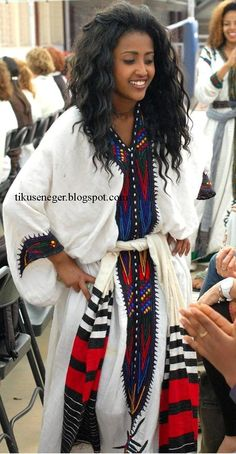 Ethiopian women wearing a traditional dress. Ethiopian Beauty, Ethiopian Dress, African Beauty, African Women, African Fashion, African Style, Ethiopian Traditional Dress, Traditional Dresses, Beautiful Black Women
