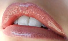 Your Lip Look of the Week: Spring Pink! 1 Layer Mauve Ice #LipSense 1 Layer Rose Ice LipSense 1 Layer Cappuccino LipSense Topped with Rose LipSense Gloss What do you think of this light lavender pink? It's perfect for spring! Get yours at: www.senegence.com/celebritymakeup