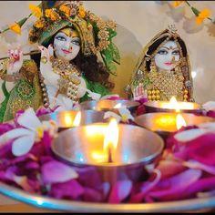 श्री राधा जू प्रेममयी हैं और भगवान श्री कृष्ण आनन्दमय हैं। जहां आनन्द है वहीं प्रेम है और जहां प्रेम है वहीं आनन्द है। आनन्द-रस-सार का धनीभूत विग्रह स्वयं श्री कृष्ण हैं और प्रेम-रस-सार की धनीभूत श्री राधारानी हैं अत: श्री राधा रानी और श्री कृष्ण एक ही हैं।   #RadheKrishna #bankebihari #Radhastami #mathuravrindavan #barsana #nandgaon #premmandir #iskontemple #radhekrishna #bhaktiyoga #spirituality #bhakti #vrindavan #shreekrishna #harekrishna #jagannath #dwarkadhish #bankebihari… Shree Krishna, Birthday Candles
