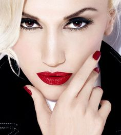 Gwen Stefani ~ beautiful woman & some bad-ass makeup, too!!