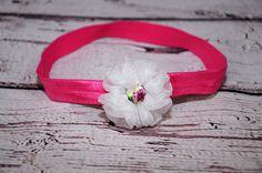 čelenka malinová - květ bílý