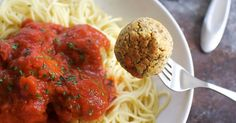Easy Vegan Meatballs (Made From Chickpeas!)-These vegan chickpea meatballs are a delicious vegan alternative to regular meatballs. Full of flavor and a great addition to your vegan Italian recipes! Vegetarian Recipes, Cooking Recipes, Healthy Recipes, Vegan Meals, Healthy Junk, Chickpea Recipes, Vegan Foods, Vegetable Recipes, Vegan Meatballs