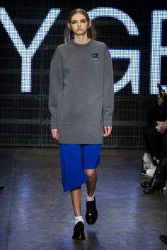 DKNY at New York Fashion Week Fall 2015 | Stylebistro.com