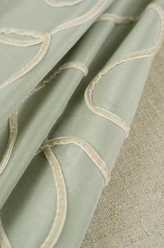 Patterns 02399 in Rainwater and 01367 in Natural.