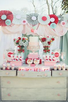 Love the colours via The Inspired Bride › Beautiful Carnival-Themed Wedding Ideas