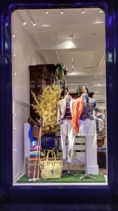 Ralph Lauren opens first polo store in Dubai Ralph Lauren Store, Polo Ralph Lauren, Polo Store, Store Window Displays, Heels Outfits, Window Design, Visual Merchandising, Windows, Fair Isles