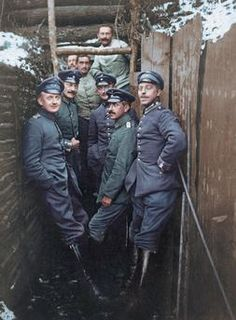 WWI, German officers in a trench. -AKG Images