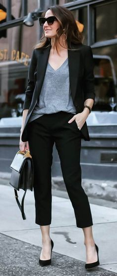 Photo Black and grey outfit idea / jacket + top + pants + bag + heels from Spring Street Style Fab: Most Popular Outfit Ideas To Get ASAP Womens Fashion For Work, Work Fashion, Fashion Black, Style Fashion, Black And Grey Outfits, Court Outfit, Trajes Business Casual, Business Fashion, Business Style