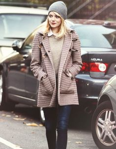 Emma Stone // it's all about the winter accessories <3
