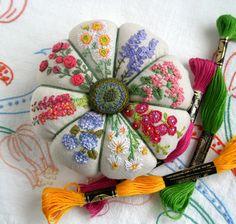 fiberluscious: Summer Garden Pincushion- Monthy Stitch Tutorial -Part 1
