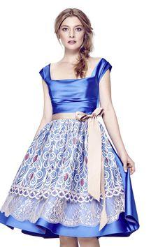 Cinderella auf der Wiesn: für dieses traumhafte Dirndl von TALBOT RUNHOF muss man allerdings ziemlich tief in die Tasche greifen.
