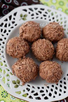 Trufle z mlecznej czekolady. Cookie Desserts, Cookie Recipes, Baking Recipes, Dog Food Recipes, Dessert Packaging, Sweet Little Things, Polish Recipes, Christmas Baking, Cake Cookies
