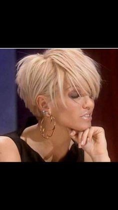 Short hair cuts for females - New Hair Styles ideas Popular Short Hairstyles, Girls Short Haircuts, Bob Hairstyles, Short Choppy Hairstyles, Short Blonde Haircuts, Short Women's Hairstyles, Choppy Short Hair Cuts, Short Asymetrical Haircuts, Long Short Hair