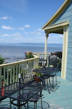 Terrasse de l'Auberge des îles à Kamouraska - Quebec Canada